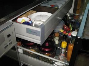 キッチンの隠し引き出し